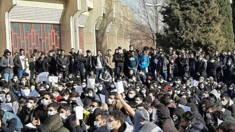 Iranians step up anti-government protests despite bloody crackdown