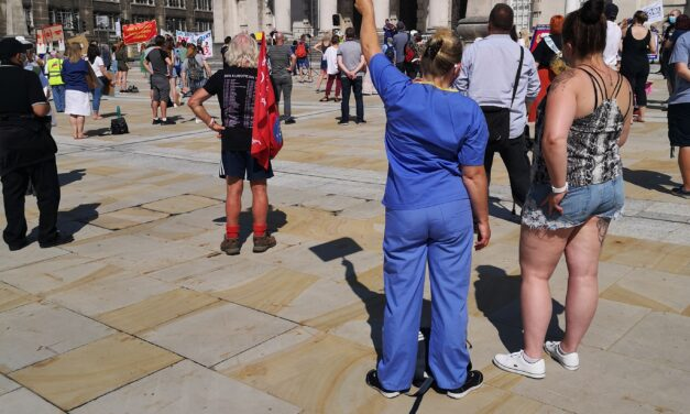 Leeds healthworkers join NHS fight for 15%