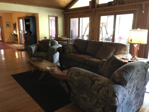 Bull Shoals Lake Living Room
