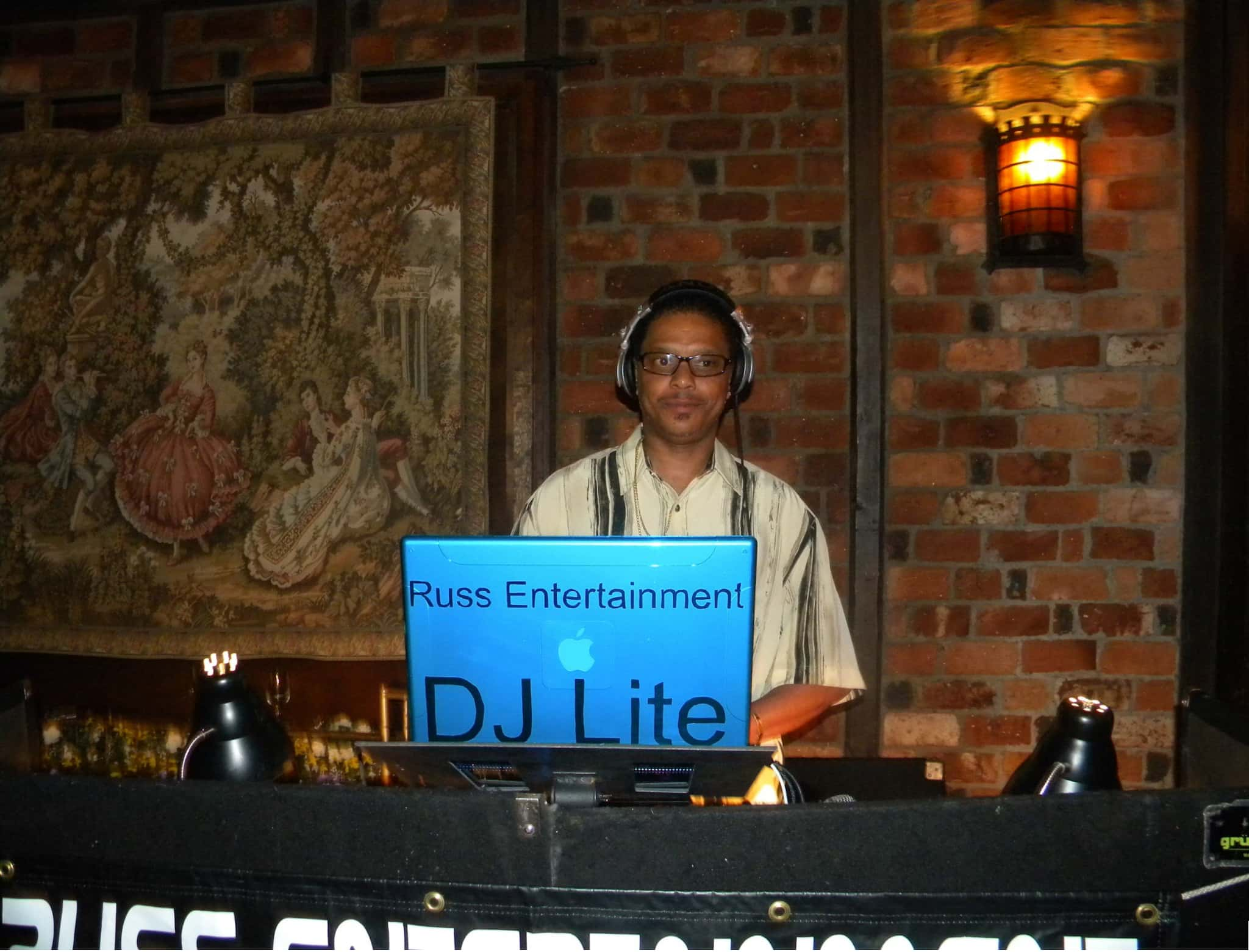 DJLITE EVERY SATURDAY 5PM TO 7PM