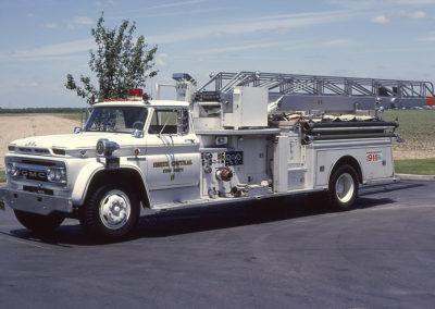 Truck 1: 1965 GMC 6500 Coast - 65'