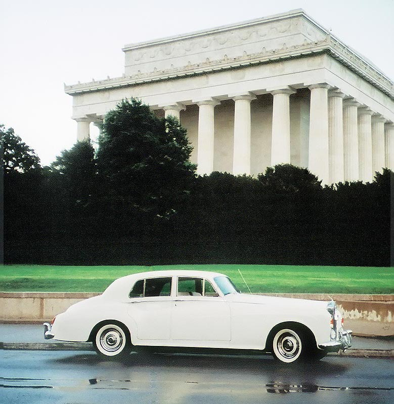 photo of the 1964 Rolls Royce in front of the Lincoln Memorial in Washington DC.
