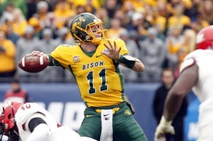 carson-wentz-ncaa-football-fcs-championship-jacksonville-state-vs-north-dakota-state-5-850x560