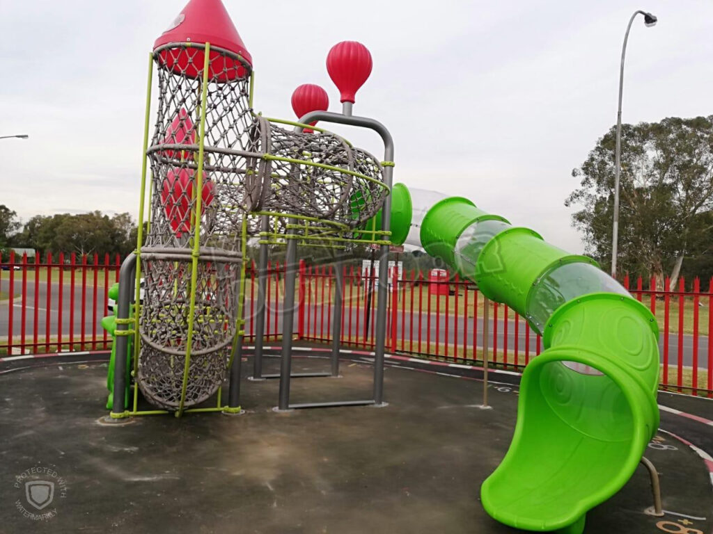 Wimpy Lakefield Roadhouse | Jungle-Gym Installation