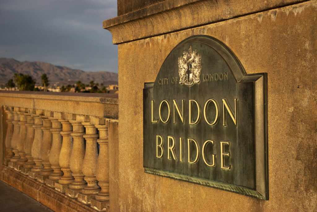 london bridge bronze plaque