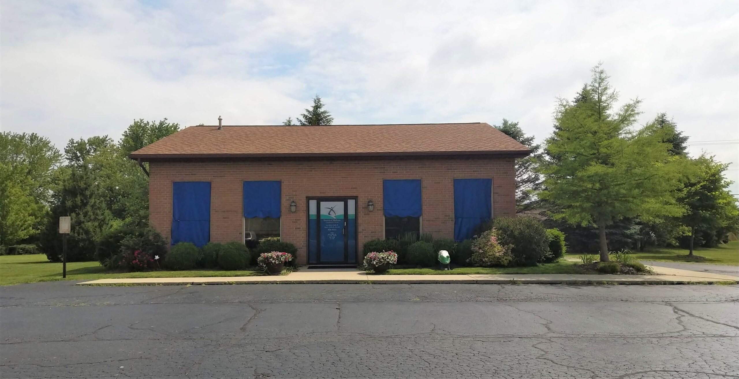 Essence of Wellness Chiropractic Office picture blue shades