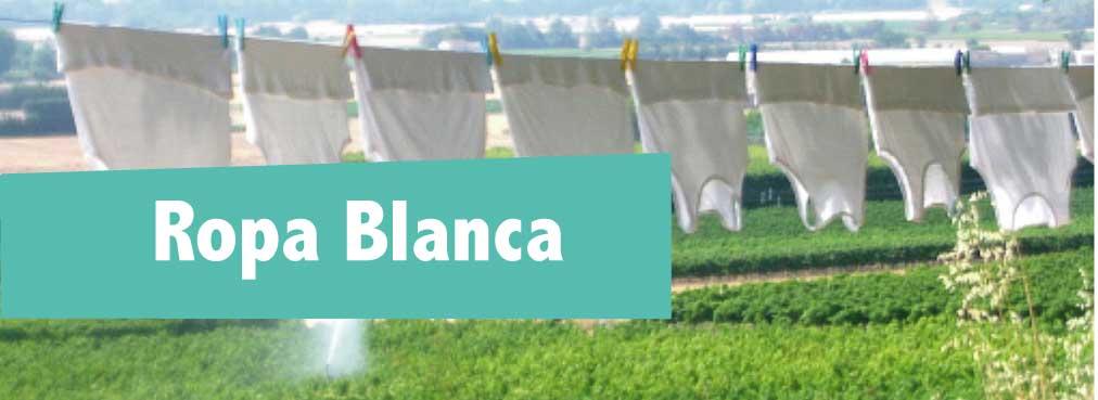 Te damos unos trucos sencillos para lavar ropa blanca y que quede impecable.