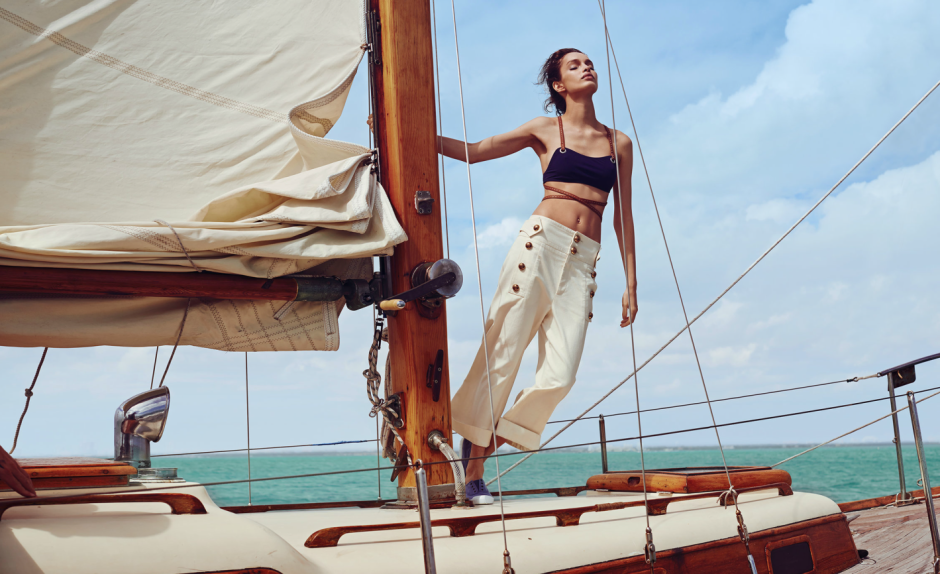 MODEL LUMA GROTHE SAILING IN MEXICO 3