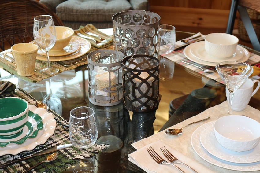 Lakeside-Living_Manitowish-Waters-WI_5-Easy-Ways-to-Liven-Up-Your-Indoor-Entertainment_Crazy-Mixed-Up-Table_Mismatched-Place-Settings_Dining-Table