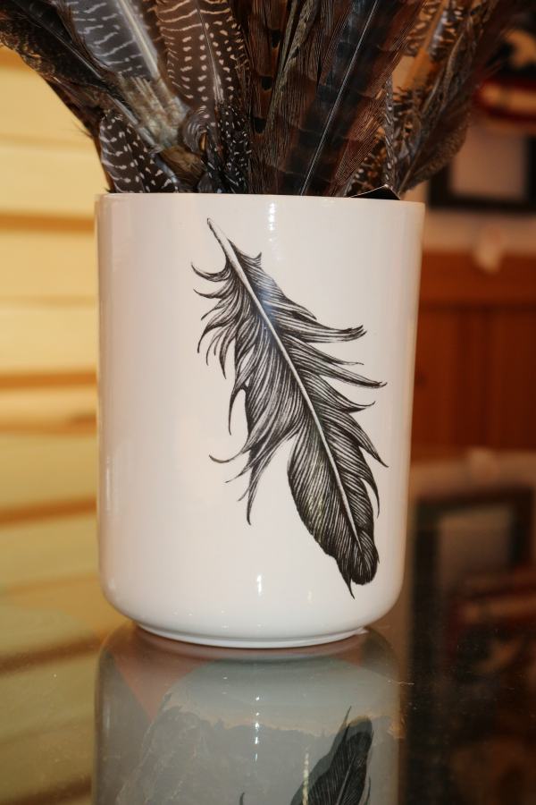 lakeside-living-design-northwoods-wi-cabin-decor-feather-vase-hand-crafted