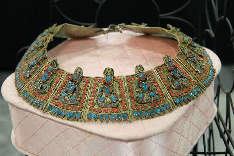 chicago grayslake illinois vintage clothing jewelry accessories show