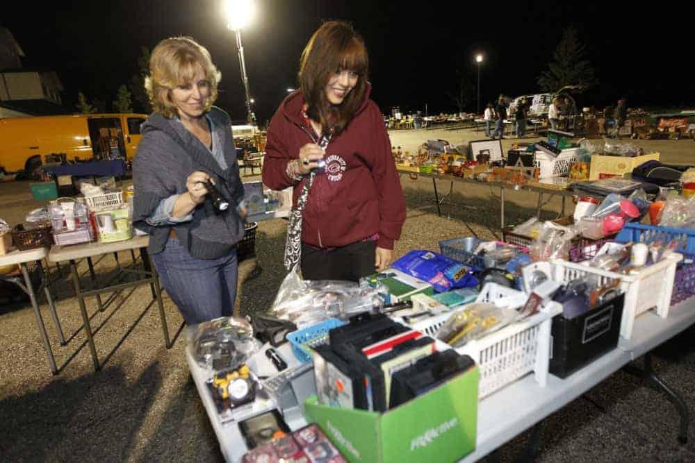 Grayslake Illinois Moon-Liter Flea Market