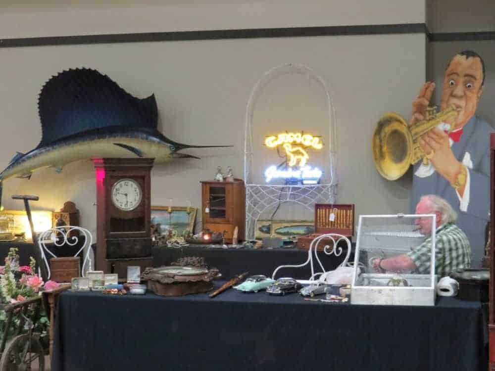 Pheasant Run Mega Center Illinois Vintage Antique Flea Market