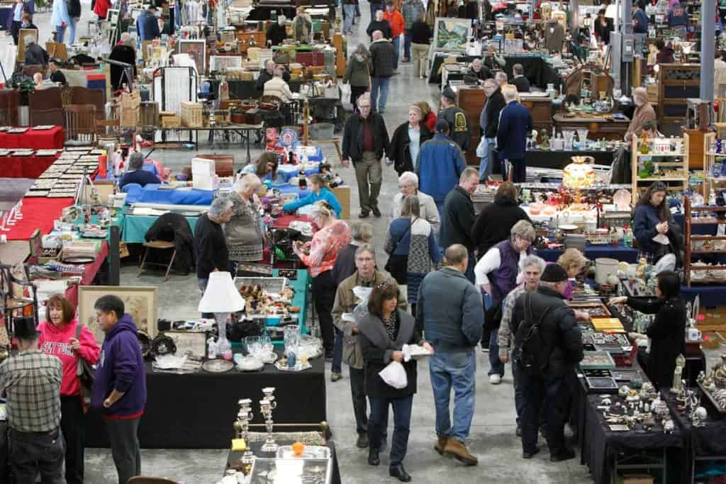 Grayslake Chicago Illinois Antique Vintage Flea Market