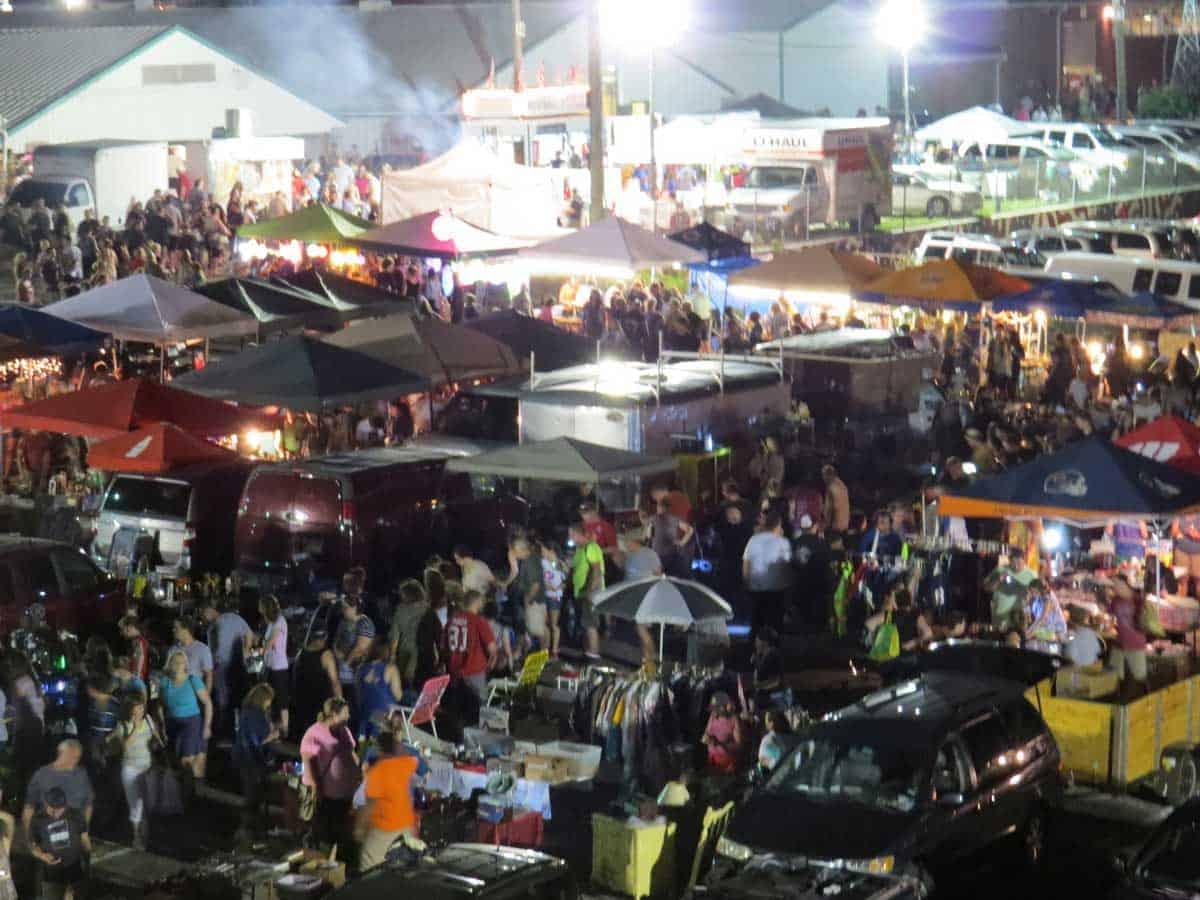 Wheaton-Illinois-All-Night-Flea-Market-12