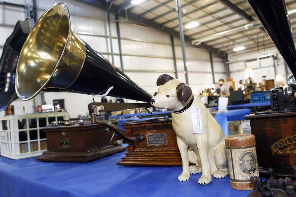 Grayslake Chicago Illinois Accent on Phonographs Show