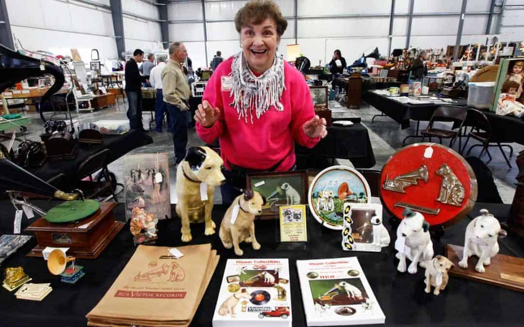 Grayslake Illinois Antique Vintage Flea Market September 7 & 8
