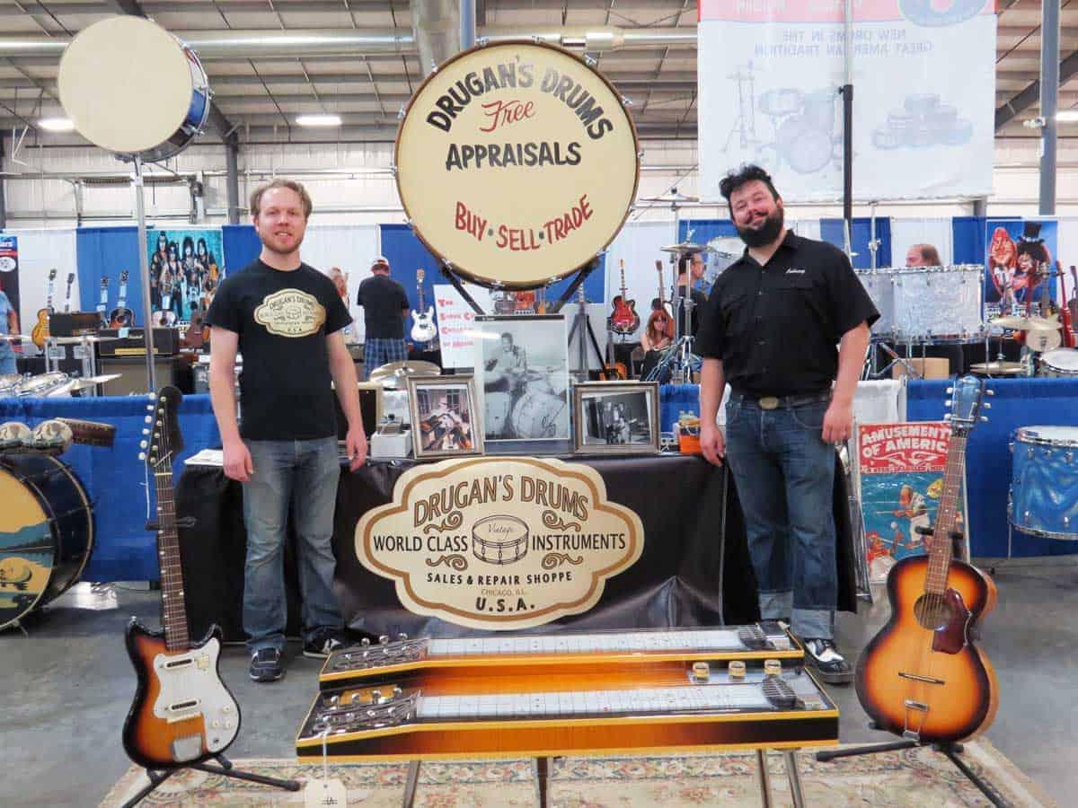 chicago-vintage-guitar-drum-vinyl-record-show-16