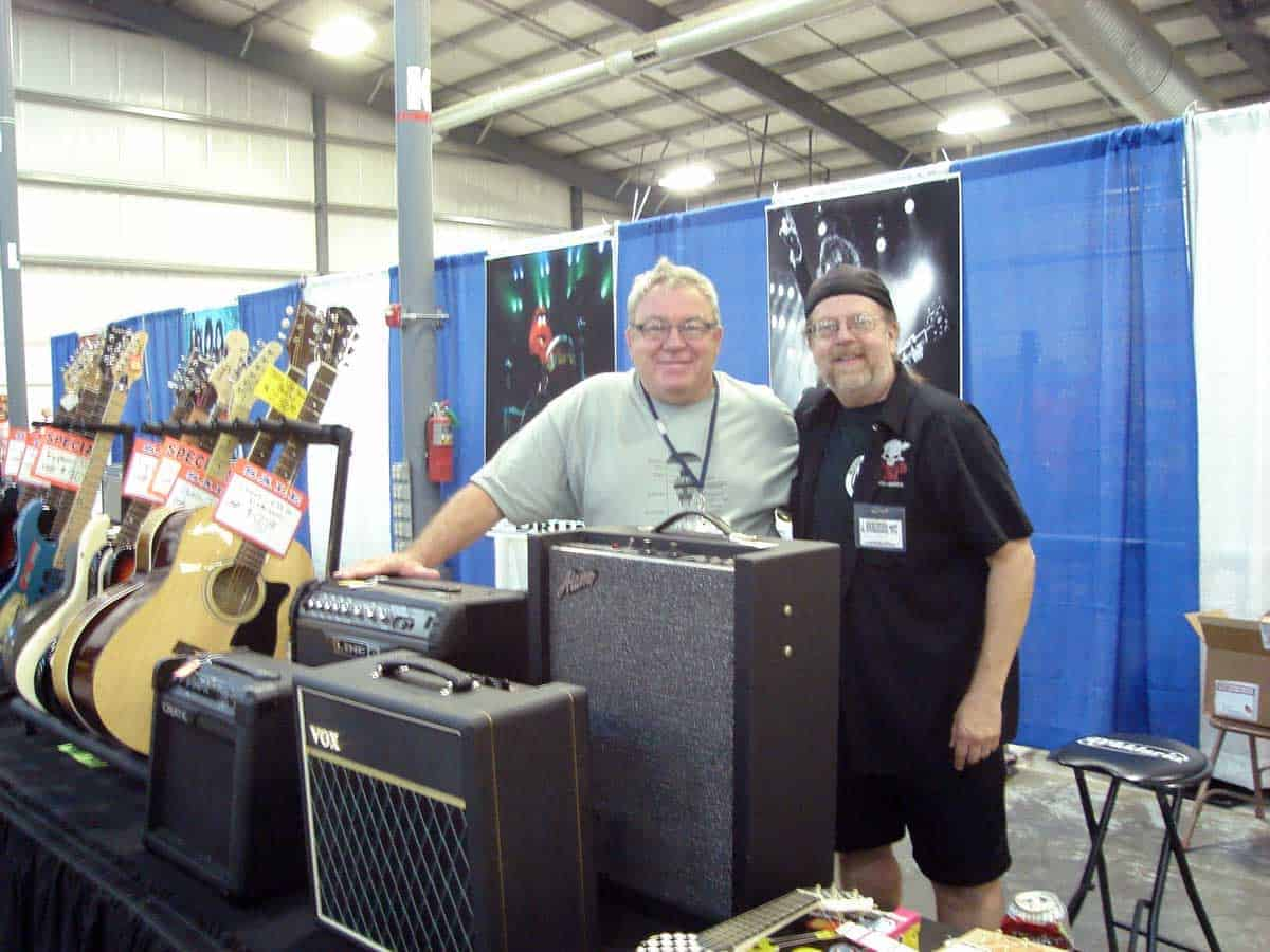 chicago-vintage-guitar-drum-vinyl-record-show-20