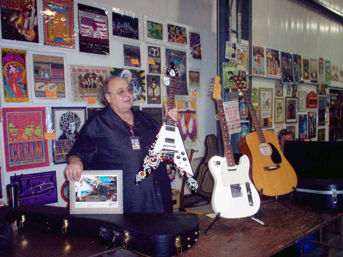 chicago-vintage-guitar-drum-vinyl-record-show-26