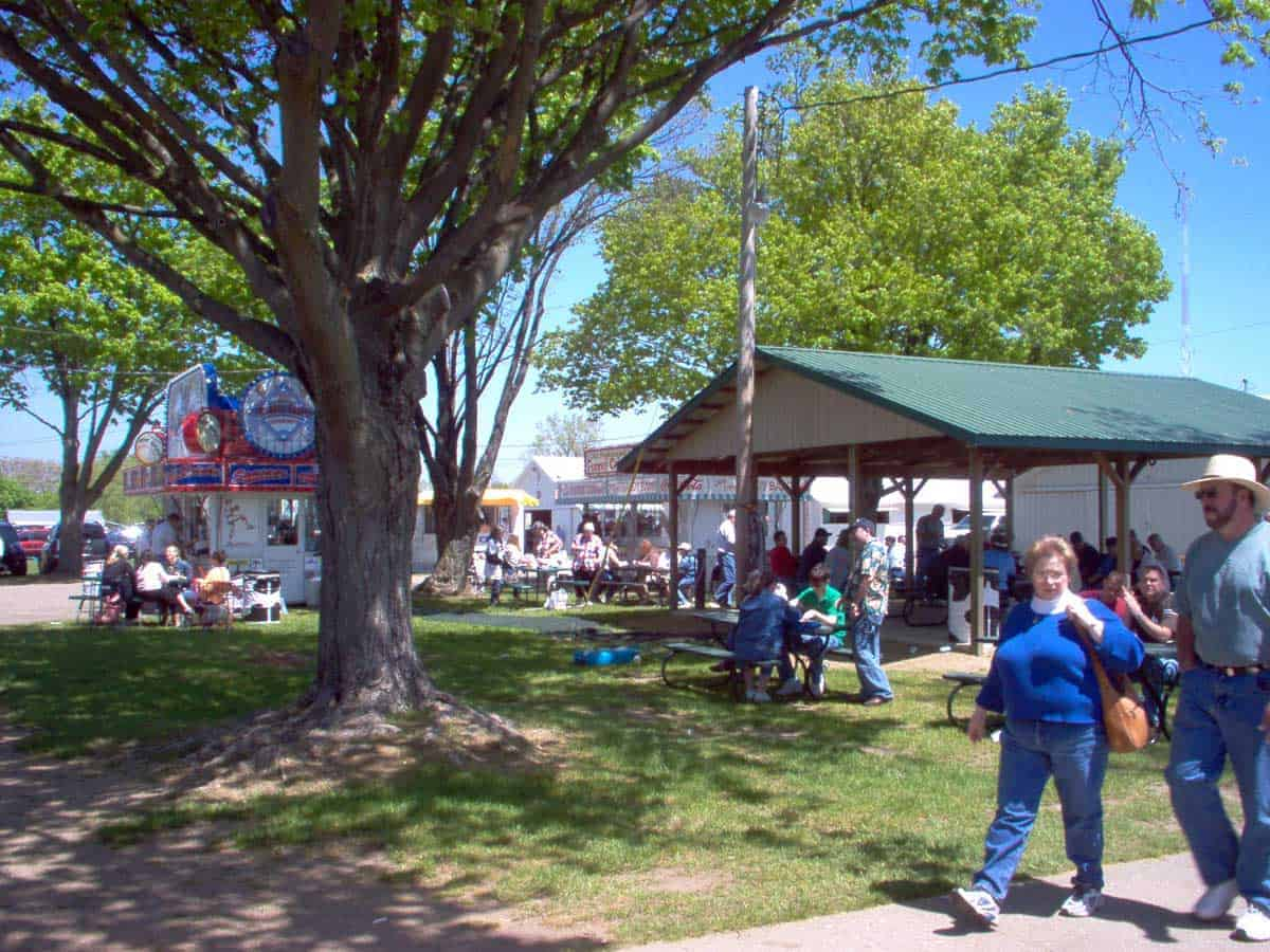 michigan-antique-vintage-flea-market