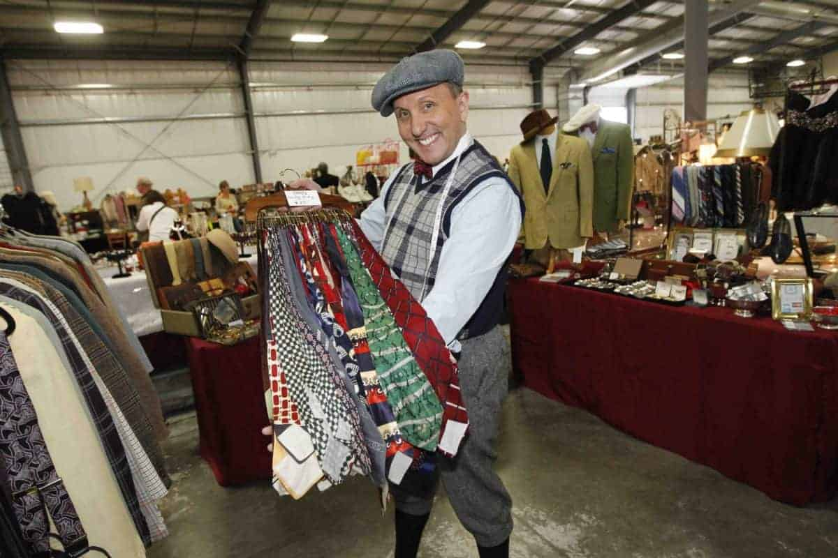 Grayslake Chicago Illinois Vintage Clothing and Estate Jewelry Show