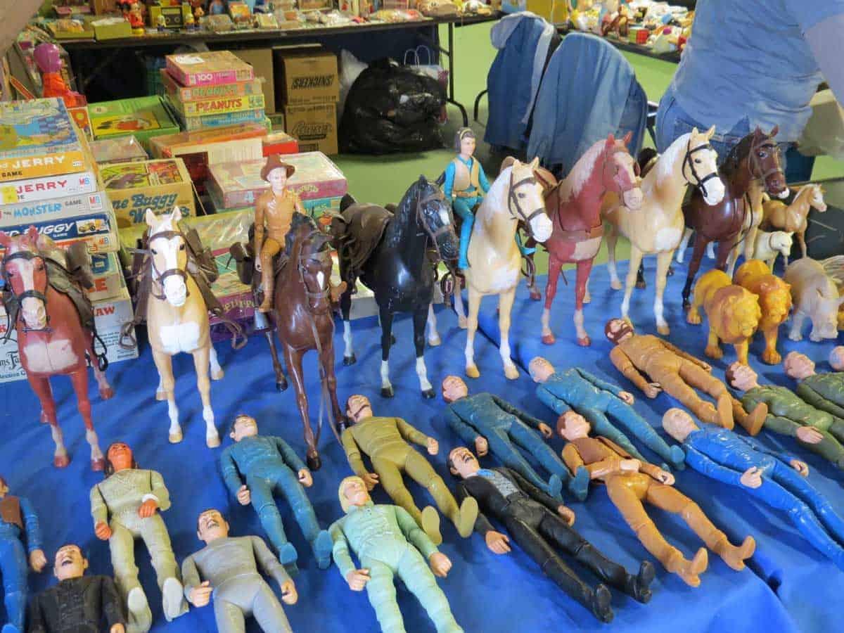 wheaton-illinois-antique-vintage-flea-market-6
