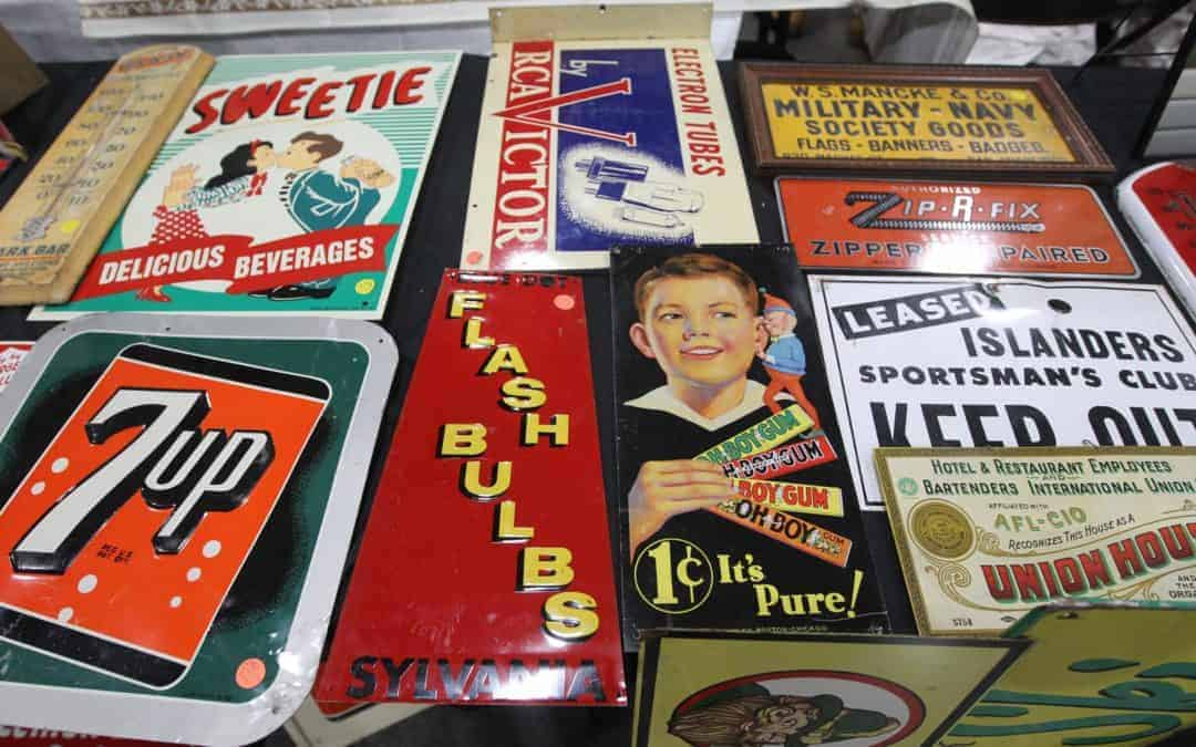 Grayslake Illinois Antique Vintage Flea Market June 8 & 9