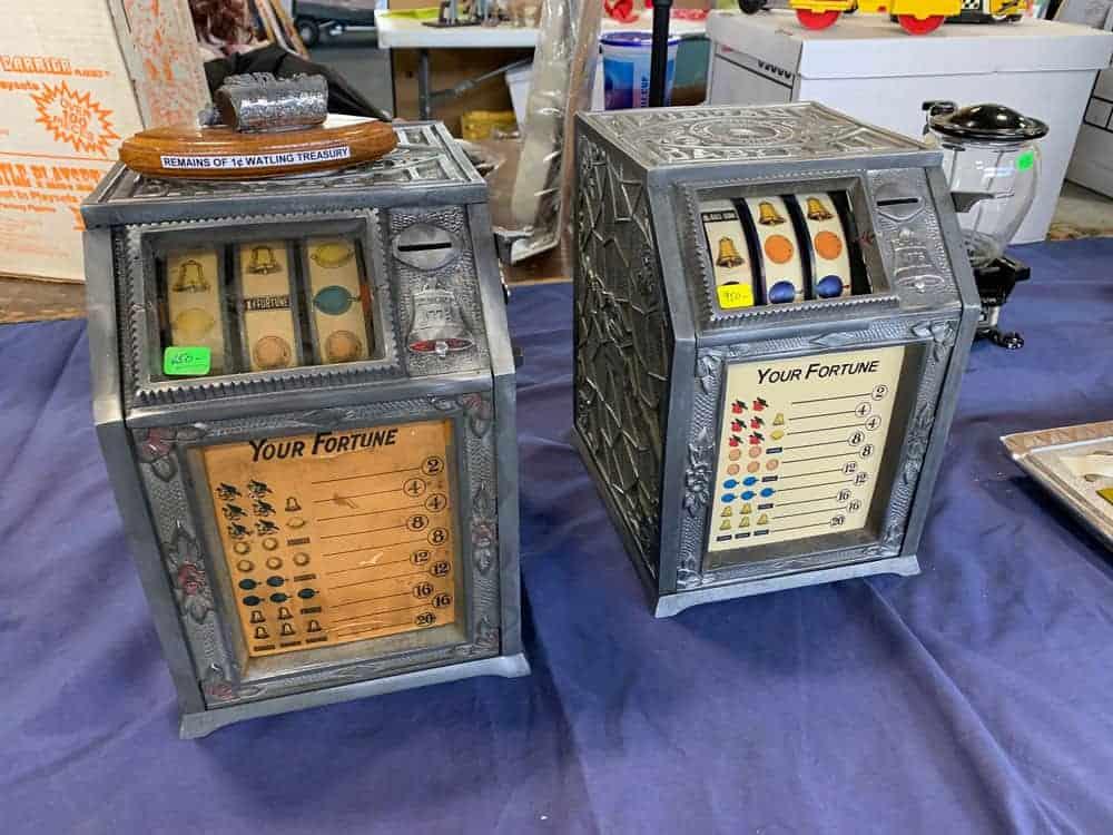 Slot Machine, Jukebox, Antique Advertising Show