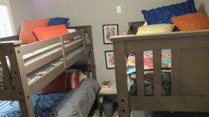 Monkey Island Gray Cabin - bunk room