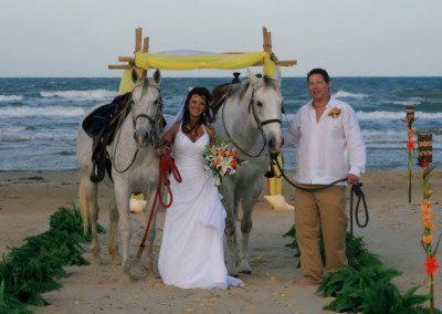 weddings-on-the-beach-couple1