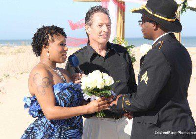weddings-on-the-beach-couple2-ceremony