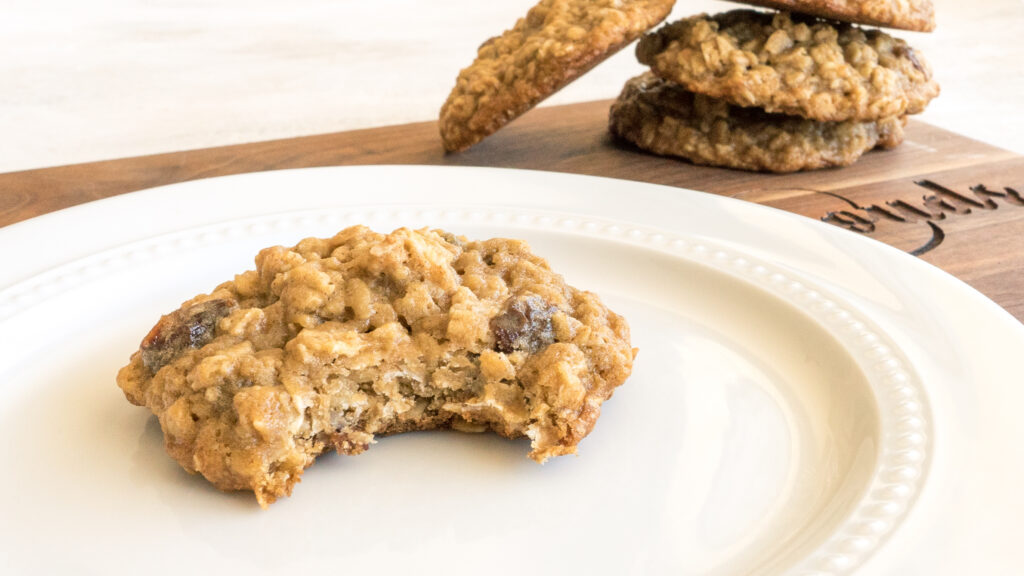Oatmeal Raisin Cookies || Life Above the Clouds