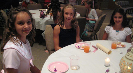3-girls-at-tea-in-jax-fl.jpg