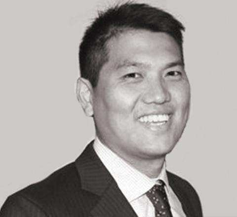 Roy S. Hwang 480X440