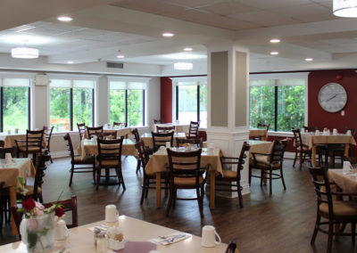 heritage-retirement-home-dining-room-cornwall-ontario