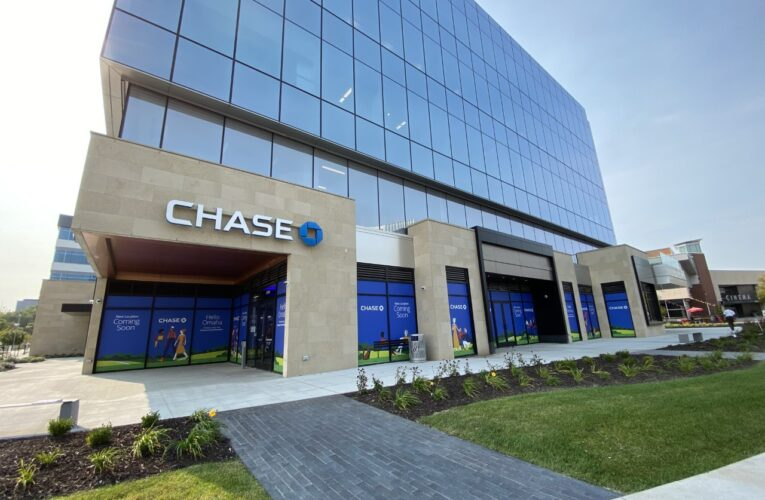 Chase launches first branch in Omaha tomorrow where it plans to open 8 new branches, creating about 80 jobs (English & Spanish Version)
