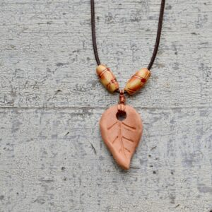 terra cotta leaf necklace oil diffuser 9