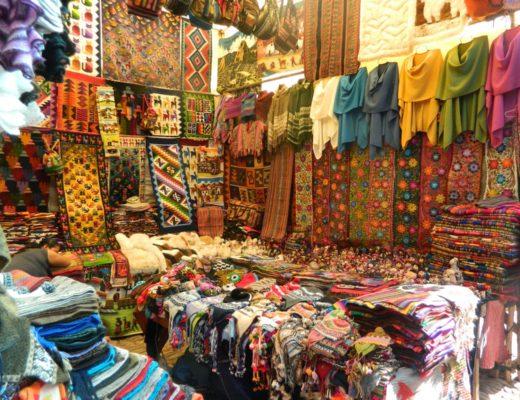 """""""Fabric Arts"""": Bargaining in Perú"""