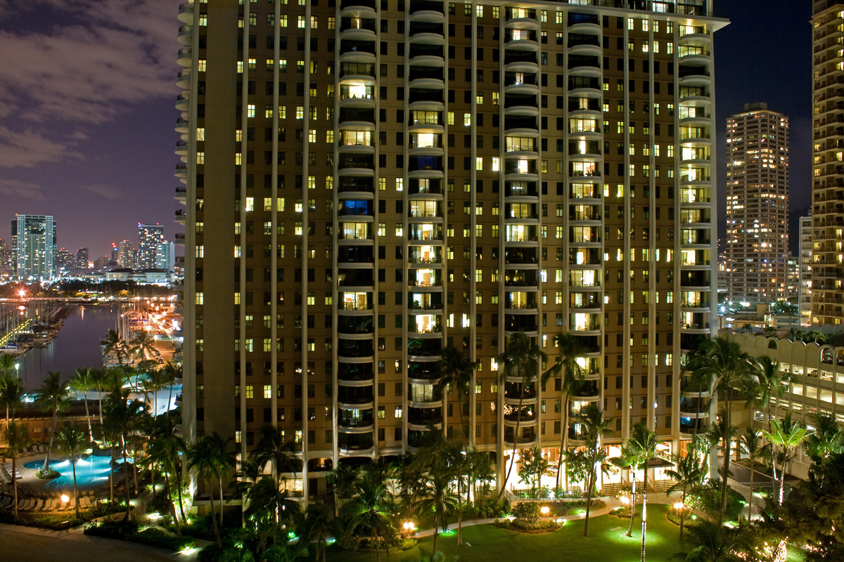 Hilton Grand Waikikian 2016 Maintenance Fees