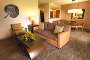 The Bay Club at Waikoloa Beach Resort Living and Dining Areas