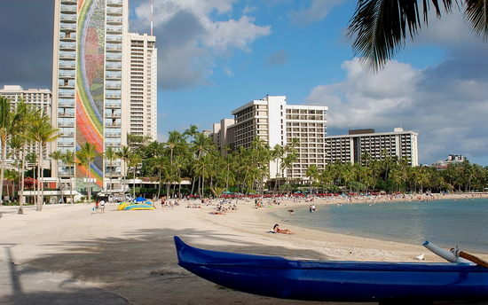 Hilton Grand Vacations Club Grand Waikikian Amenities, Services and Restaurants