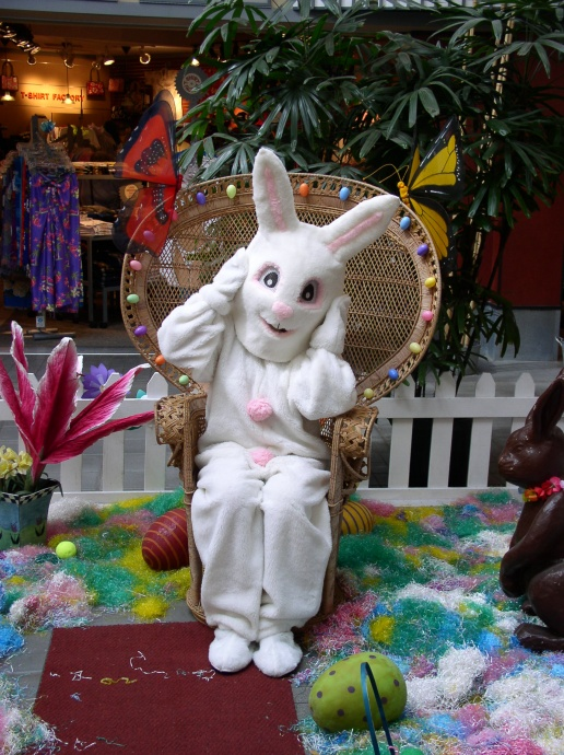 Lahaina Cannery Mall Easter Event Saturday, April 4