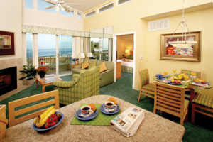 Hilton Seapointe Dining & Living Area