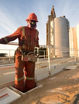 152385497-fracking-site