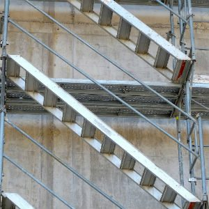 stairs-average construction worker compensation settlement 3