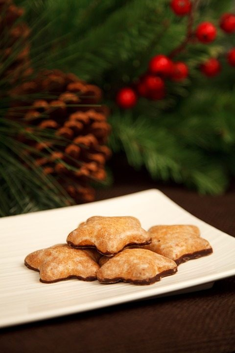 10 Alternatives to the Office Holiday Party