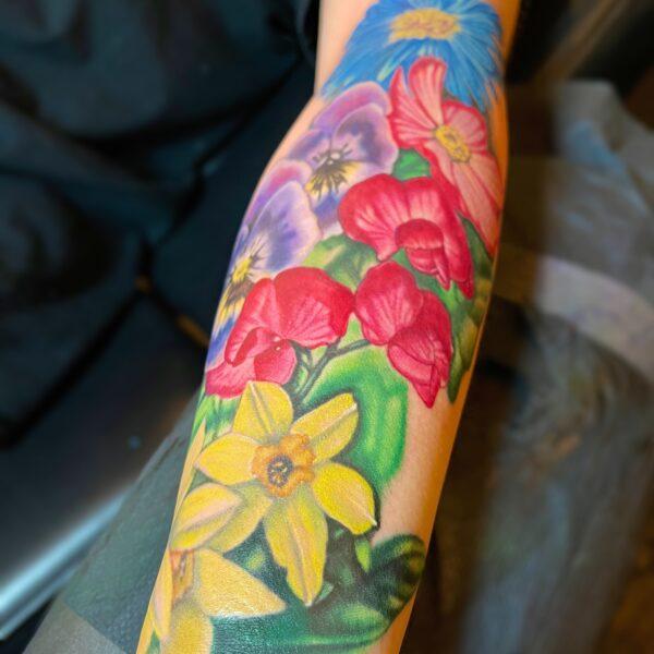 Leif: Colorful florals