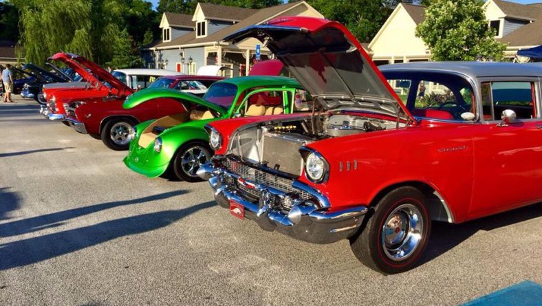 "Hot Rod's Diner Monthly ""Cruise In"""