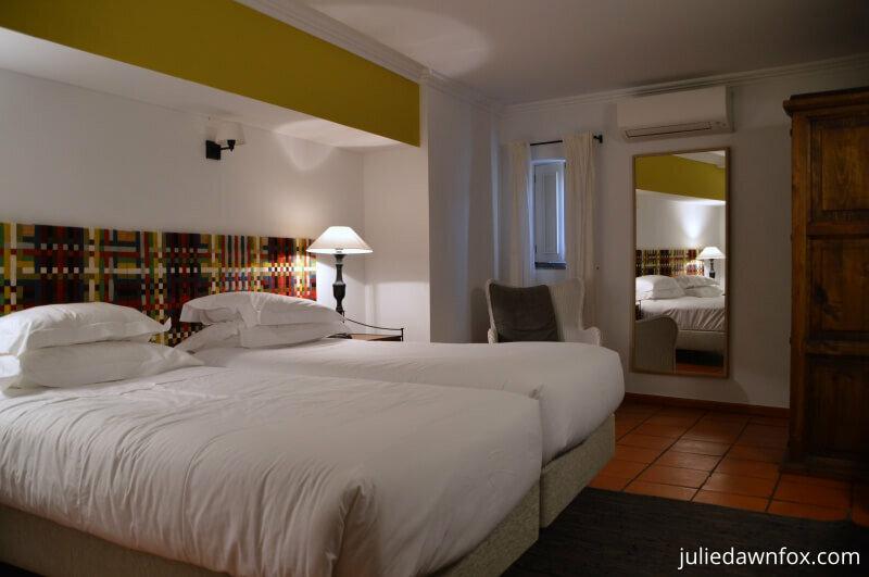 Bedroom Albergaria do Calvario, Evora